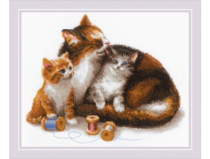 Cat with Kittens Cross Stitch Kit фото 1
