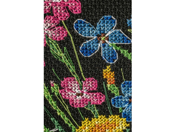 Summer Bouquet in a Glass Cross Stitch Kit фото 5