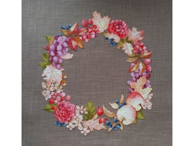 Gifts of Autumn Wreath Cross Stitch Pattern фото 3