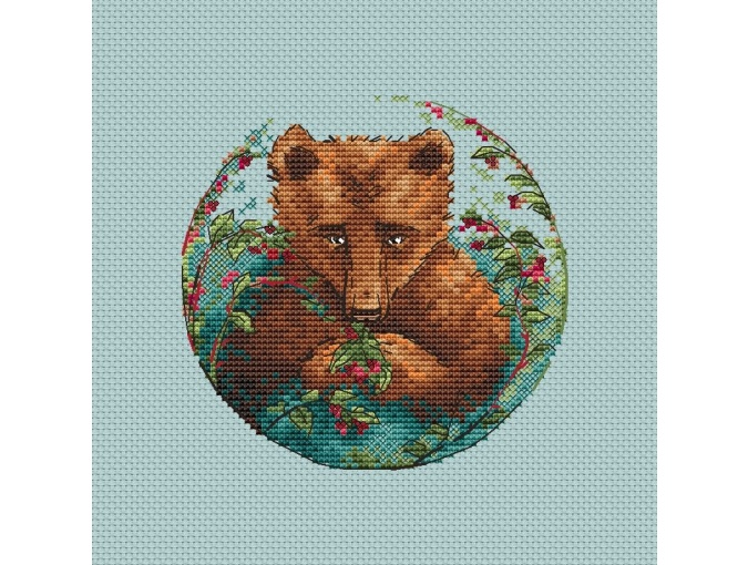 Bear and Berries Cross Stitch Pattern фото 1
