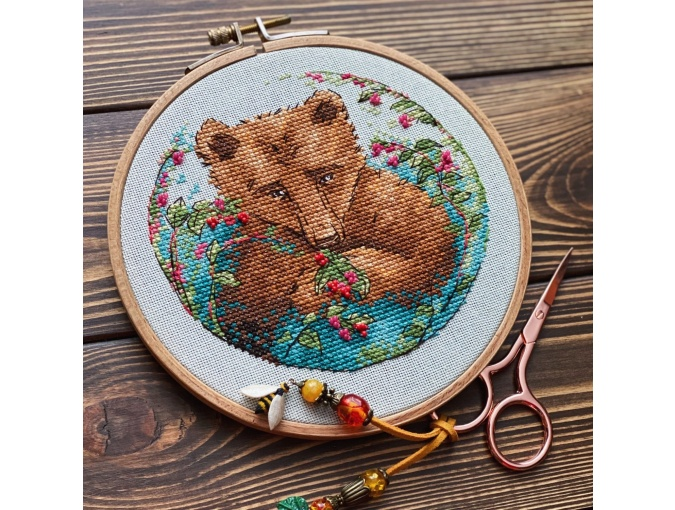 Bear and Berries Cross Stitch Pattern фото 2