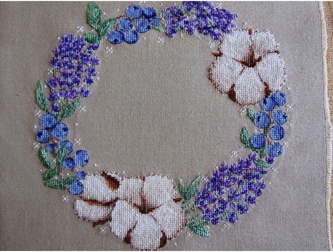 Flowers and Berries Wreath Cross Stitch Pattern фото 3