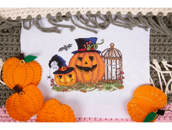 Scary Pumpkins Cross Stitch Kit фото 3