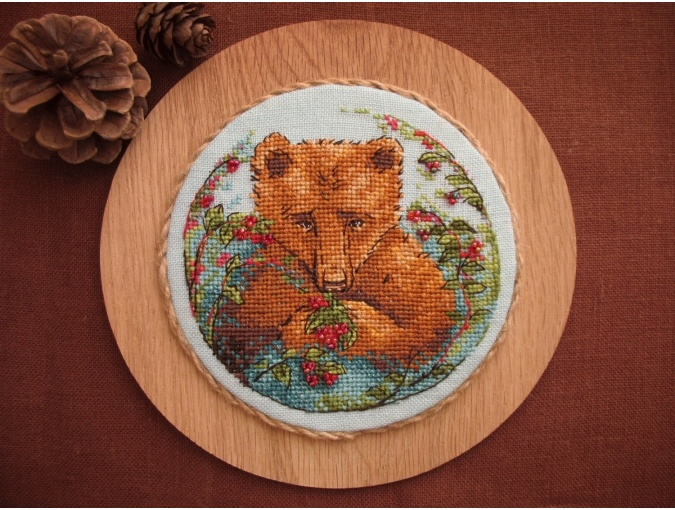 Bear and Berries Cross Stitch Pattern фото 3