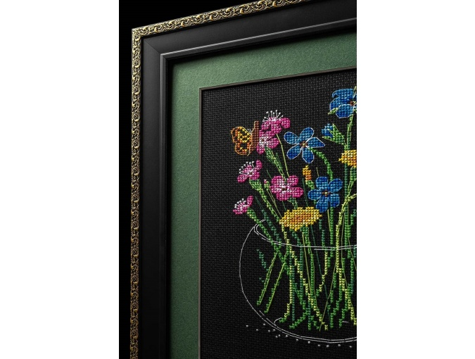Summer Bouquet in a Glass Cross Stitch Kit фото 2