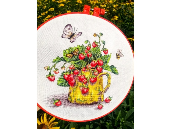 Strawberry Cross Stitch Pattern фото 3
