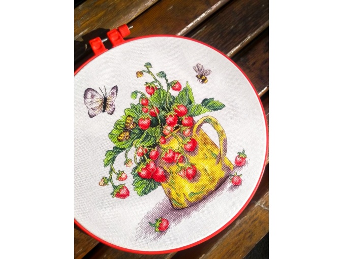 Strawberry Cross Stitch Pattern фото 2